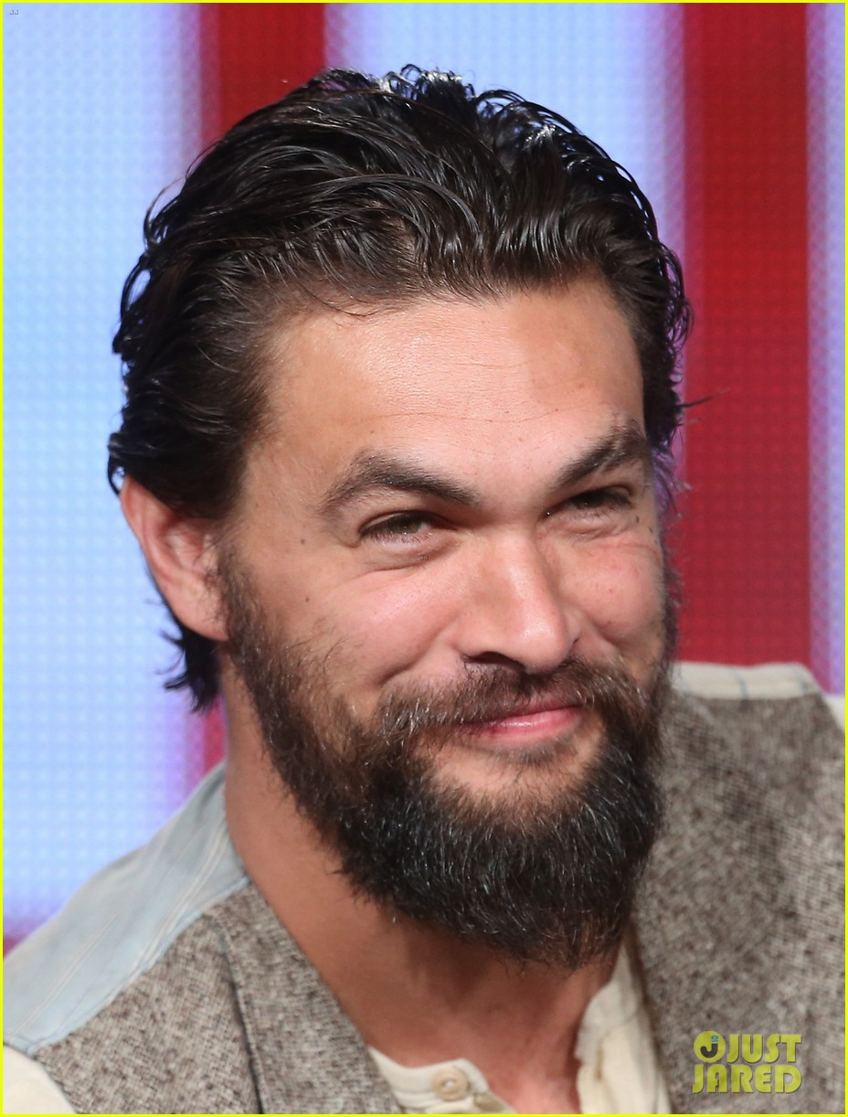 jason momoa photobombs red road cast at tca panel 15