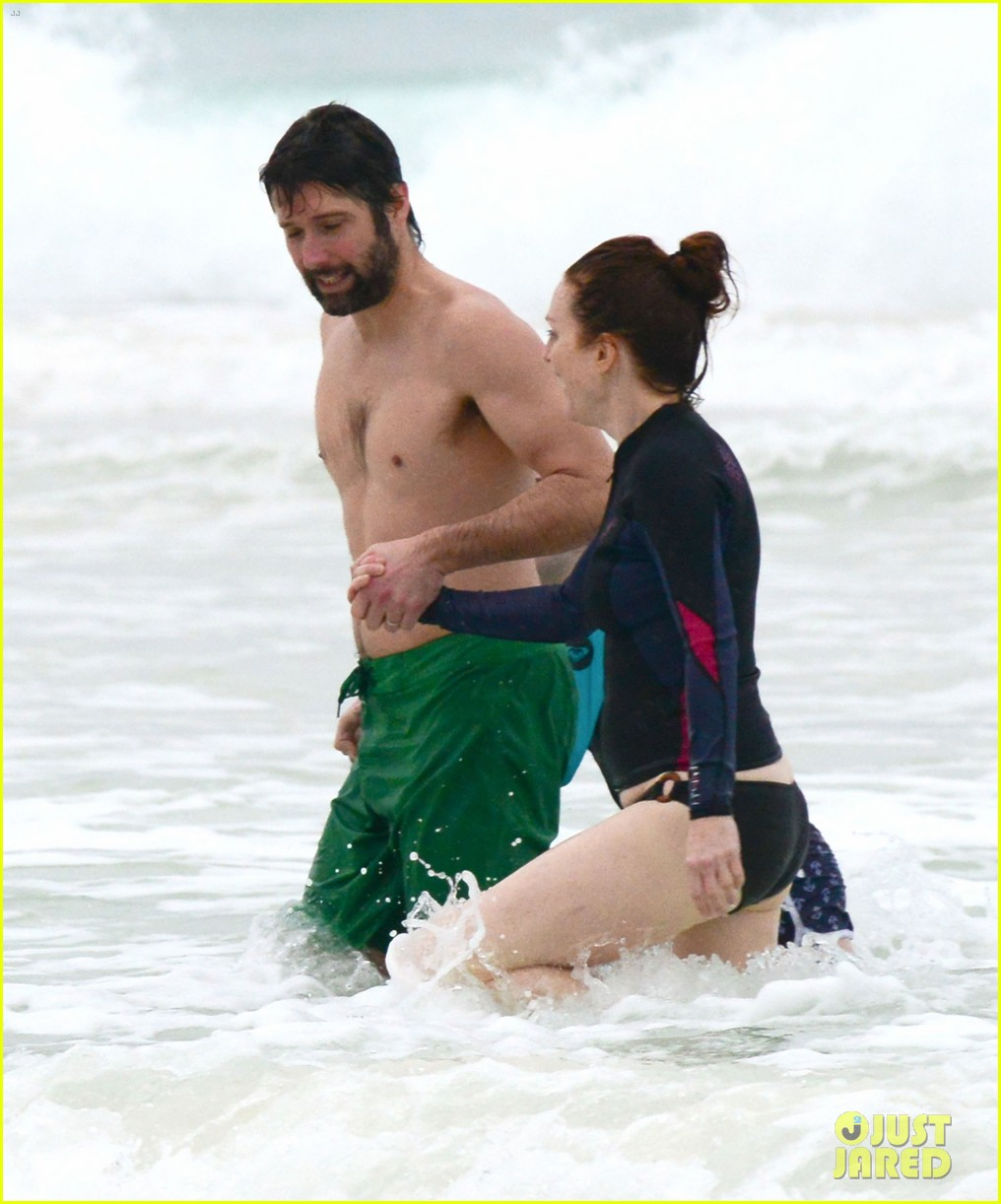 julianne moore family beach day in mexico 063023828
