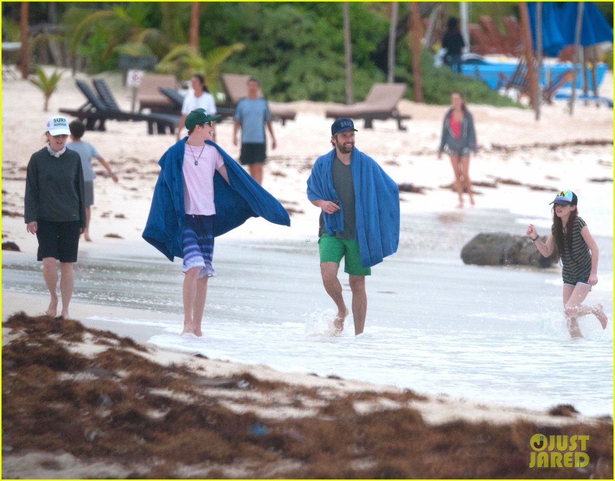 julianne moore family beach day in mexico 253023847