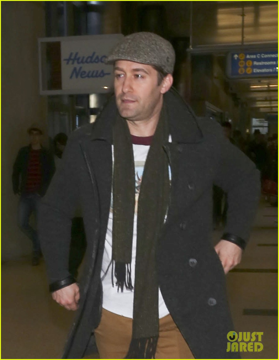 matthew morrison renee puente lax landing with jc chasez 123021825