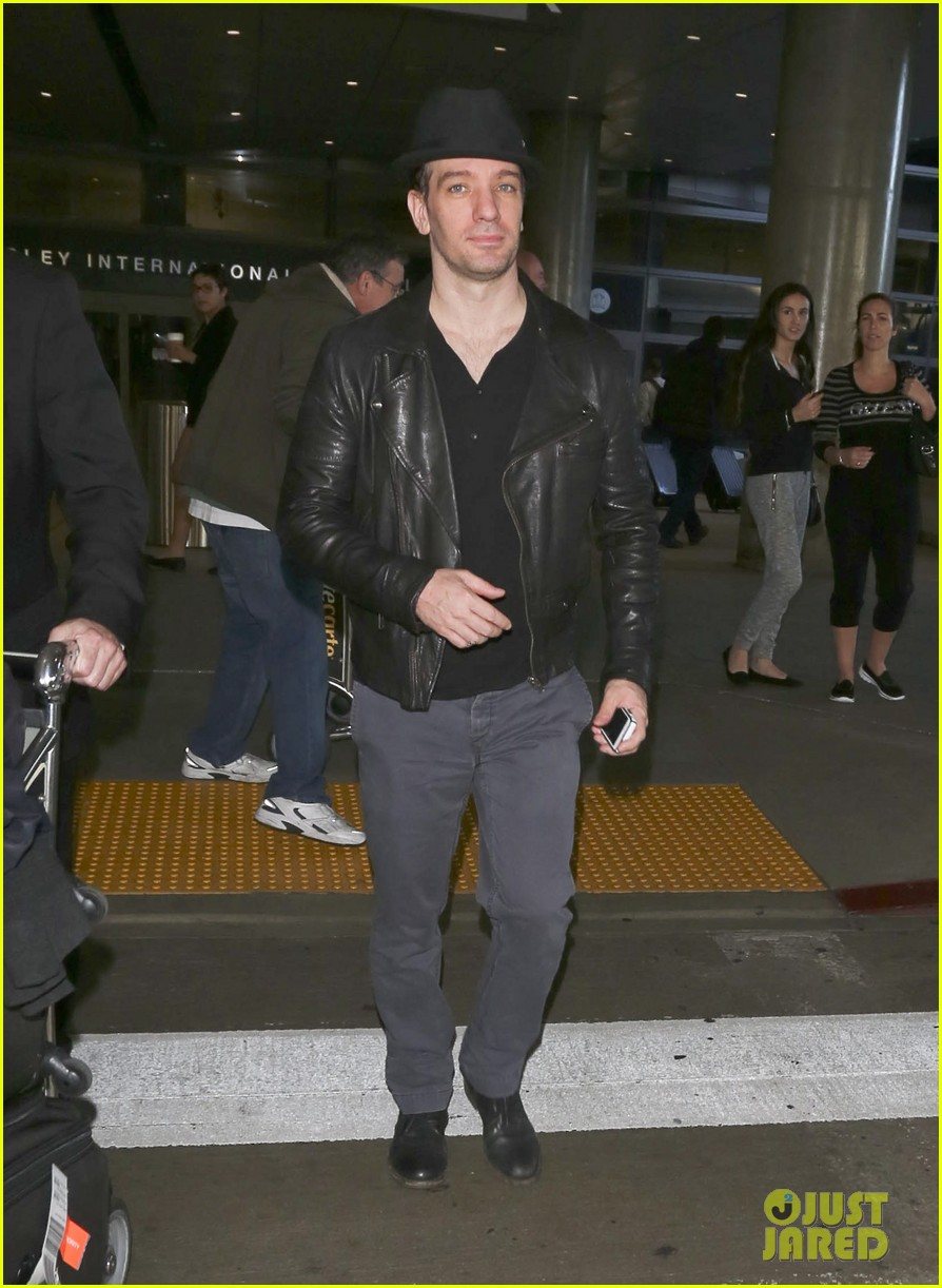 matthew morrison renee puente lax landing with jc chasez 203021833