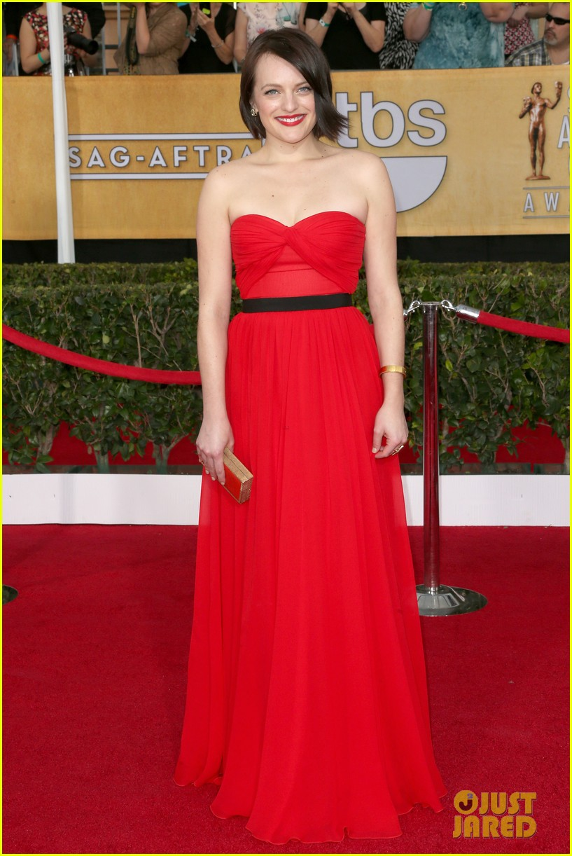elisabeth moss sag awards 2014 red carpet 02