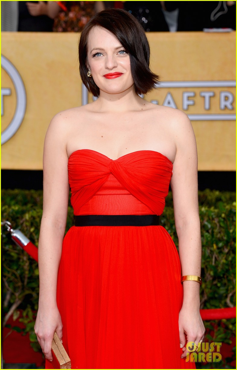 elisabeth moss sag awards 2014 red carpet 04
