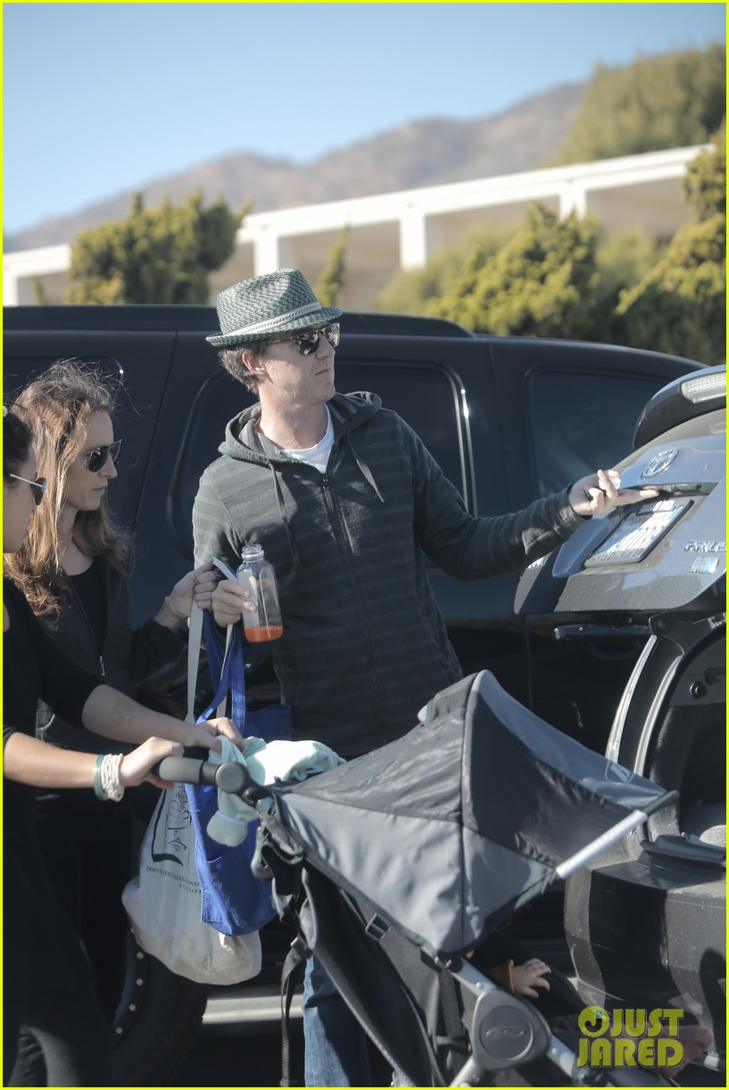edward norton debuts new baby boy for family farmers market trip 05