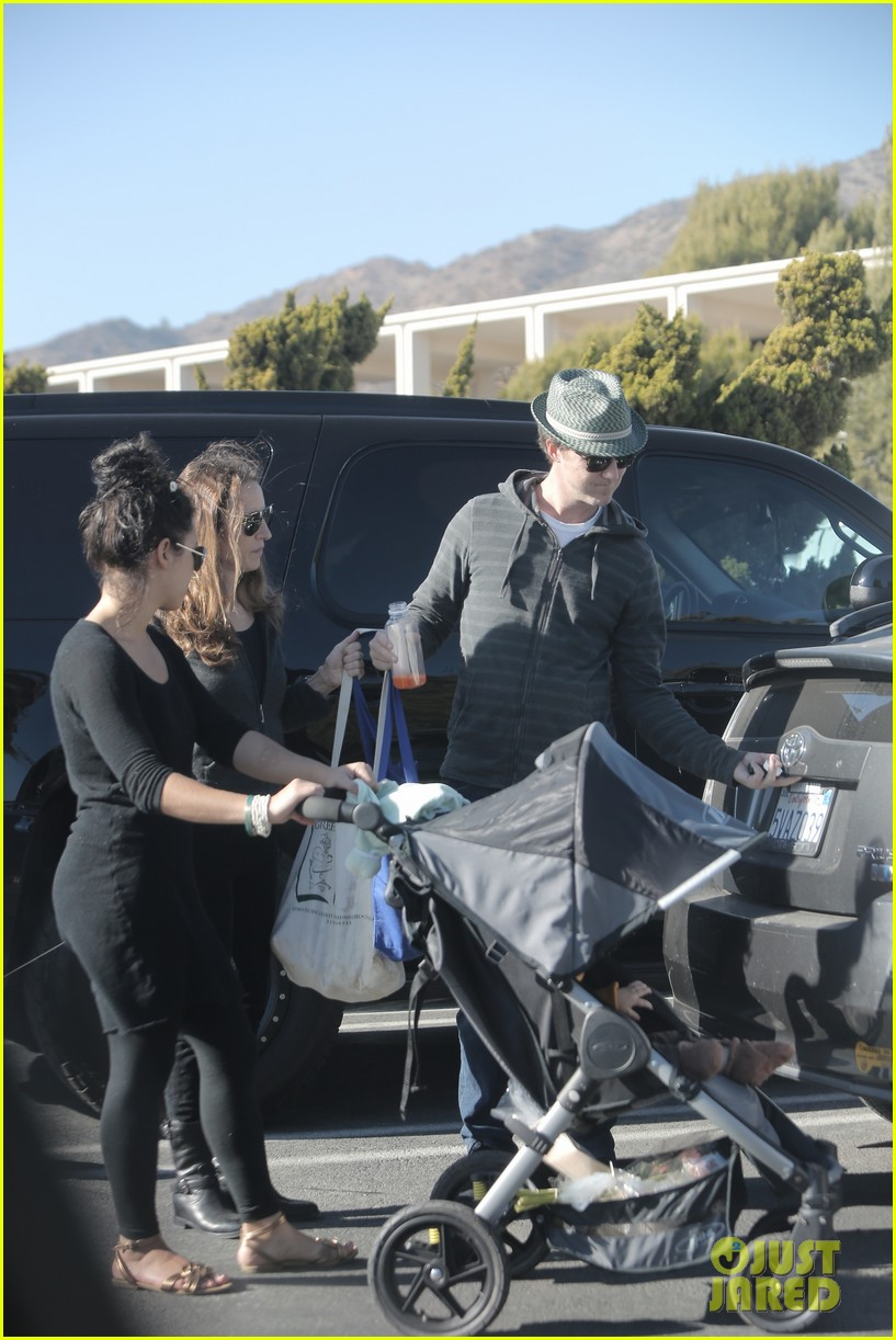 edward norton debuts new baby boy for family farmers market trip 07