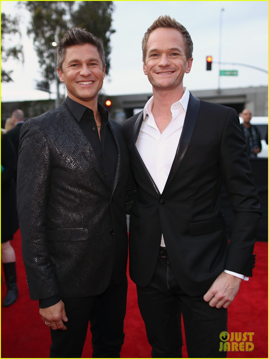 neil patrick harris grammys 2014 with david burtka 07