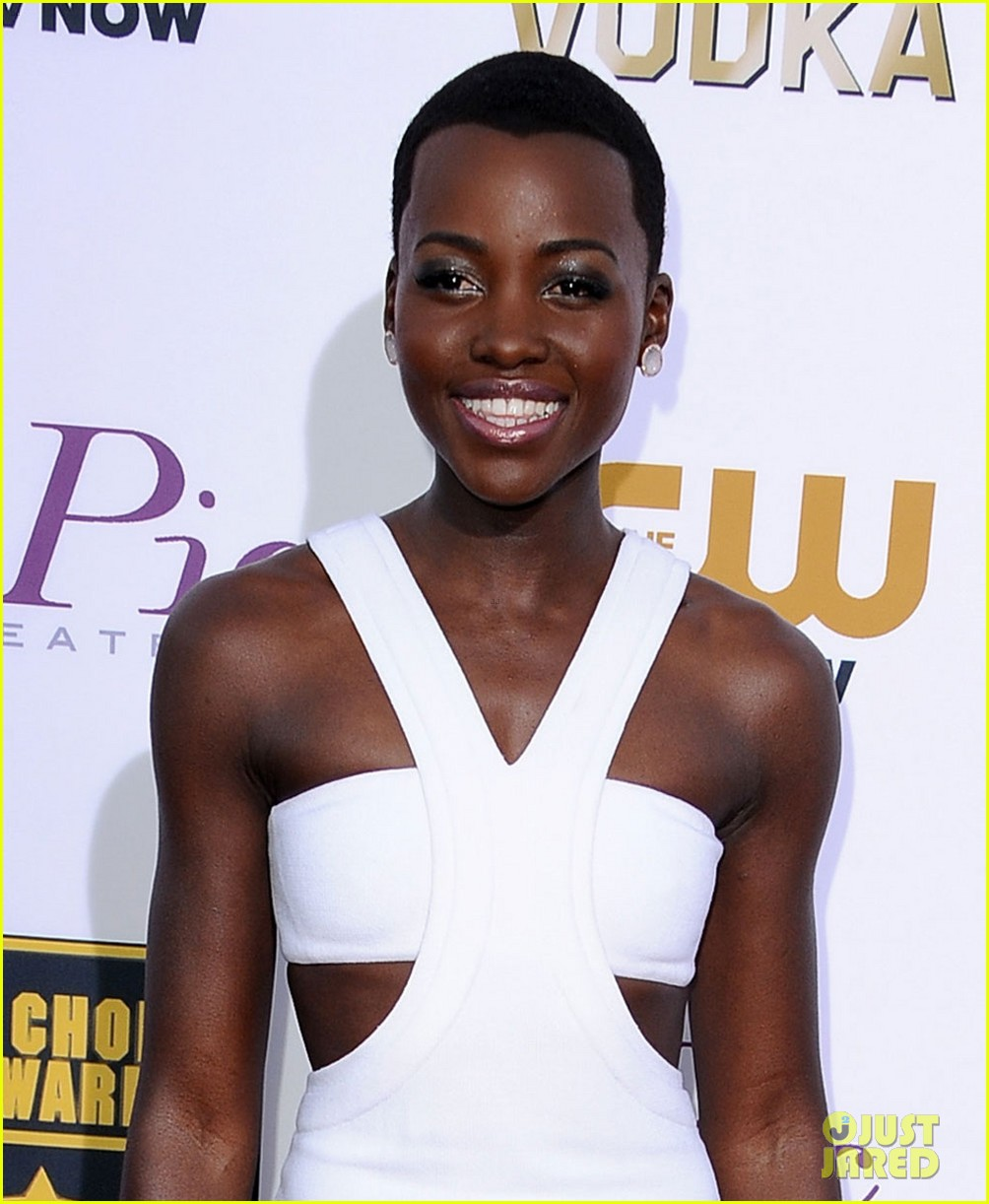 lupita nyongo critics choice movie awards 2014 red carpet 043033005