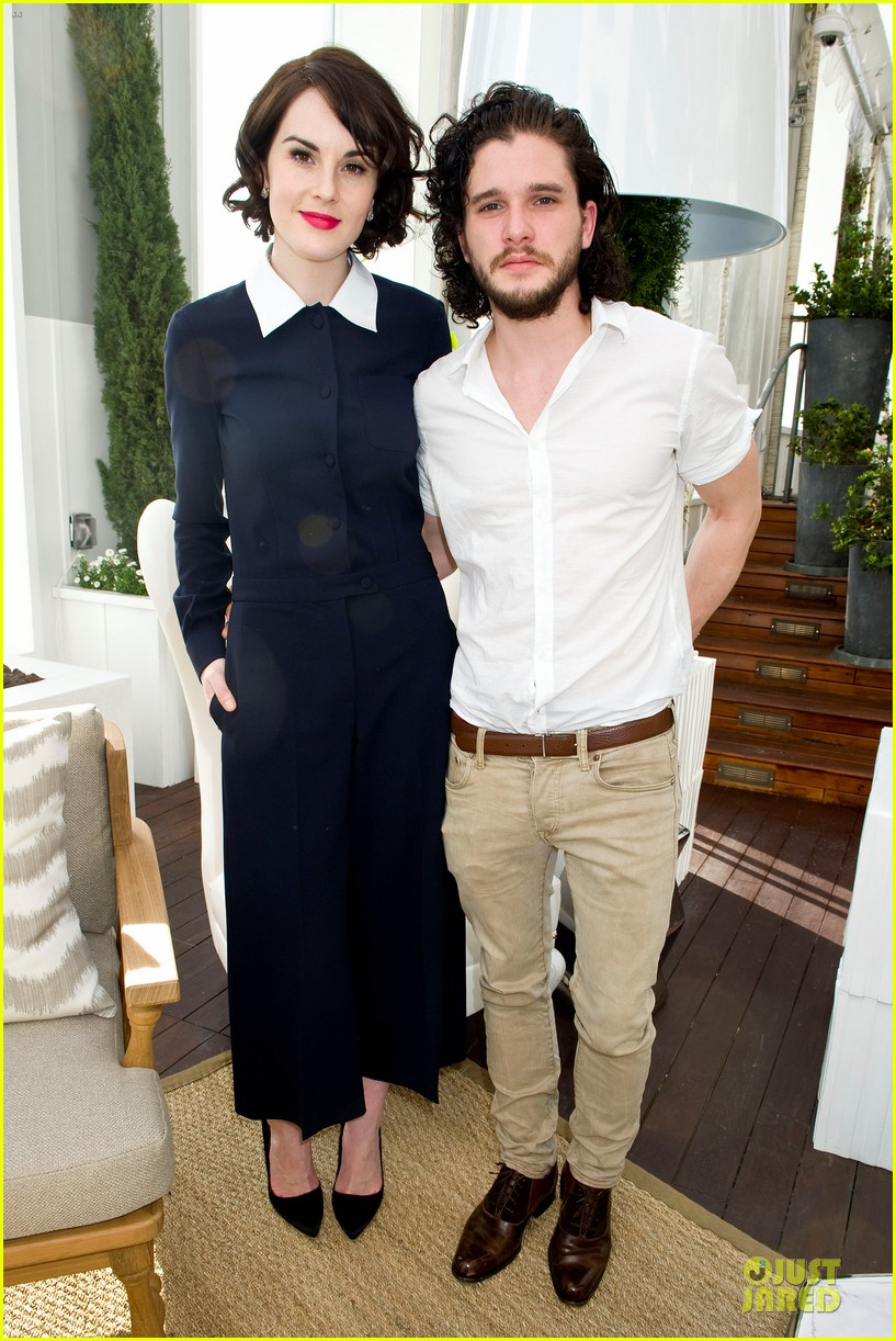lupita nyongo dujour cover party with michelle dockery 023028188