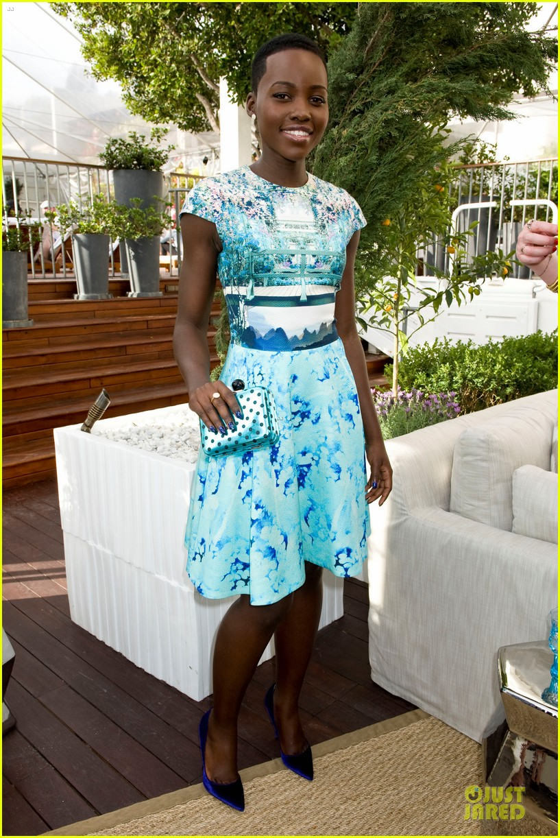 lupita nyongo dujour cover party with michelle dockery 133028199