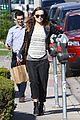 olivia wilde baby bumpin beauty salon 08