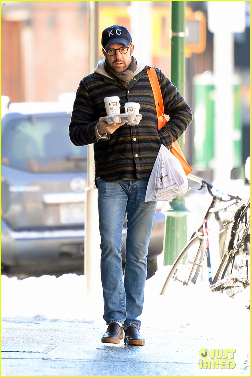 olivia wilde jason sudeikis snowy nyc coffee couple 013023016