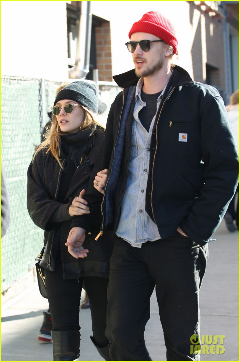 elizabeth olsen hangs with boyd holbrook at sundance 08