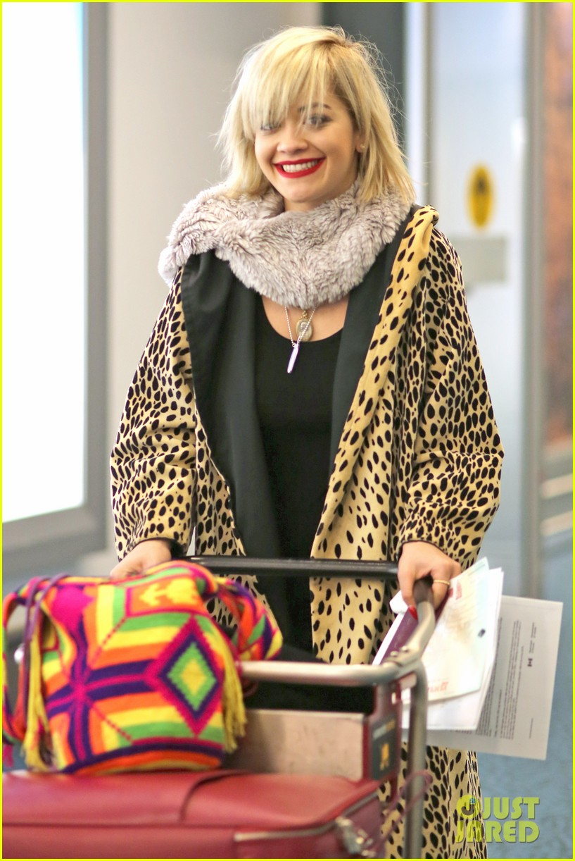 rita ora flies to vanouver to begin fifty shades of grey 033031855