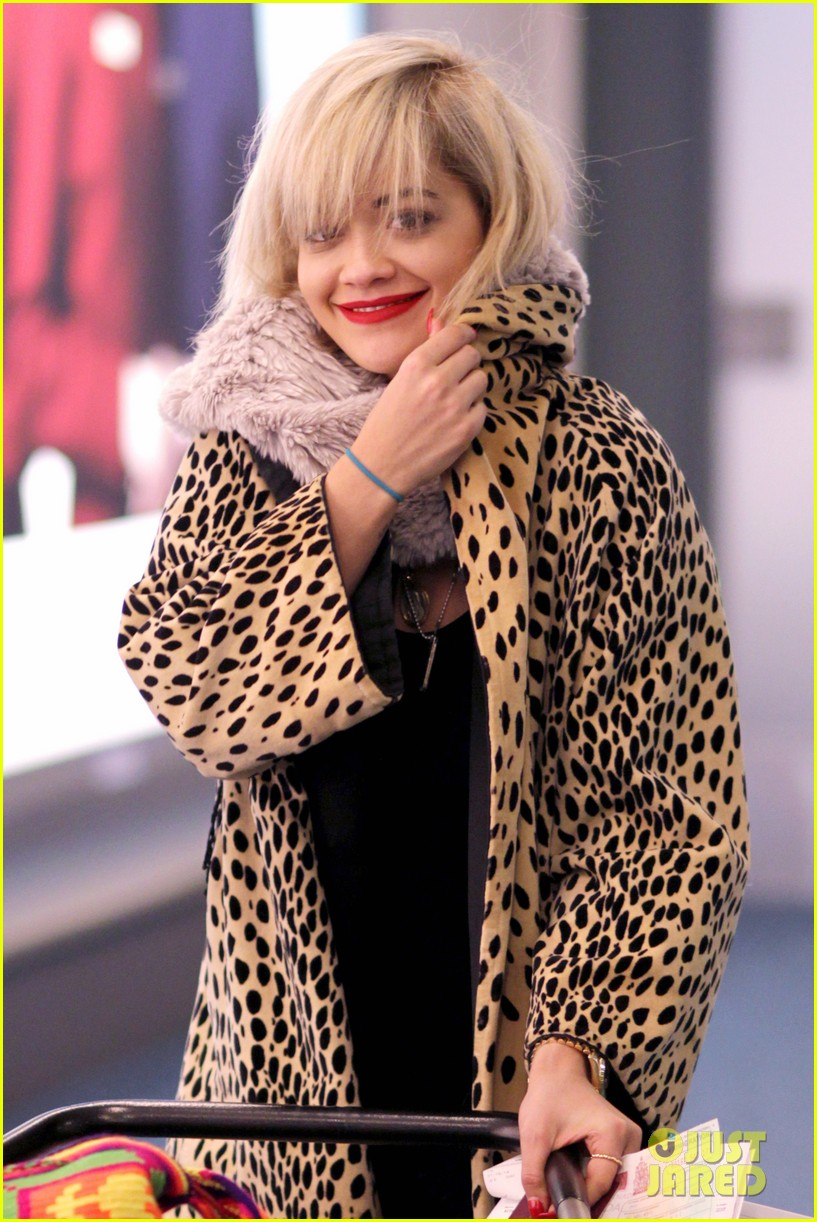 rita ora flies to vanouver to begin fifty shades of grey 063031858