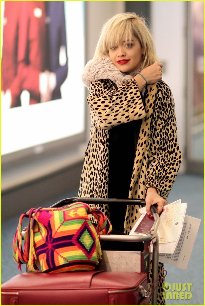 rita ora flies to vanouver to begin fifty shades of grey 083031860
