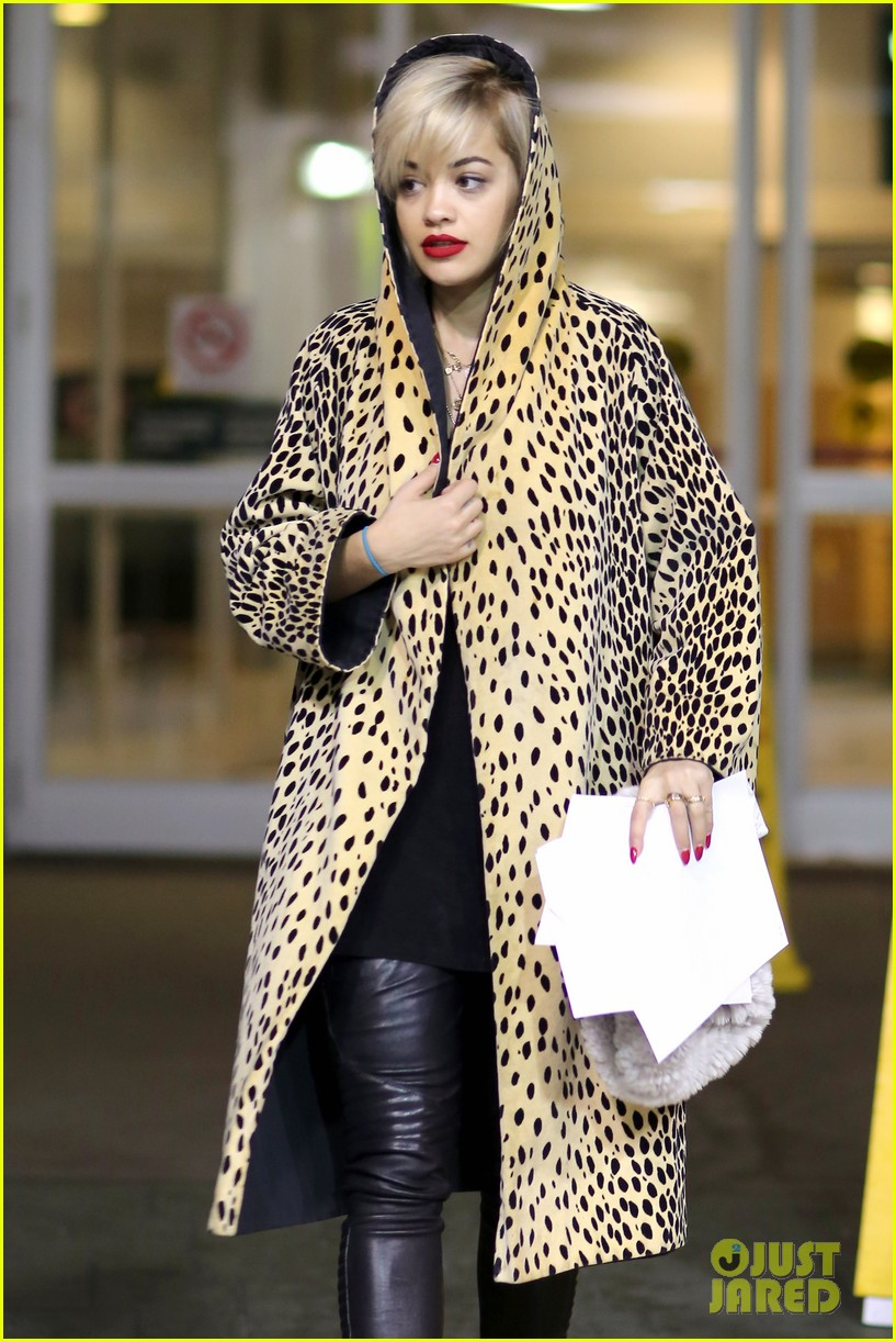 rita ora flies to vanouver to begin fifty shades of grey 10