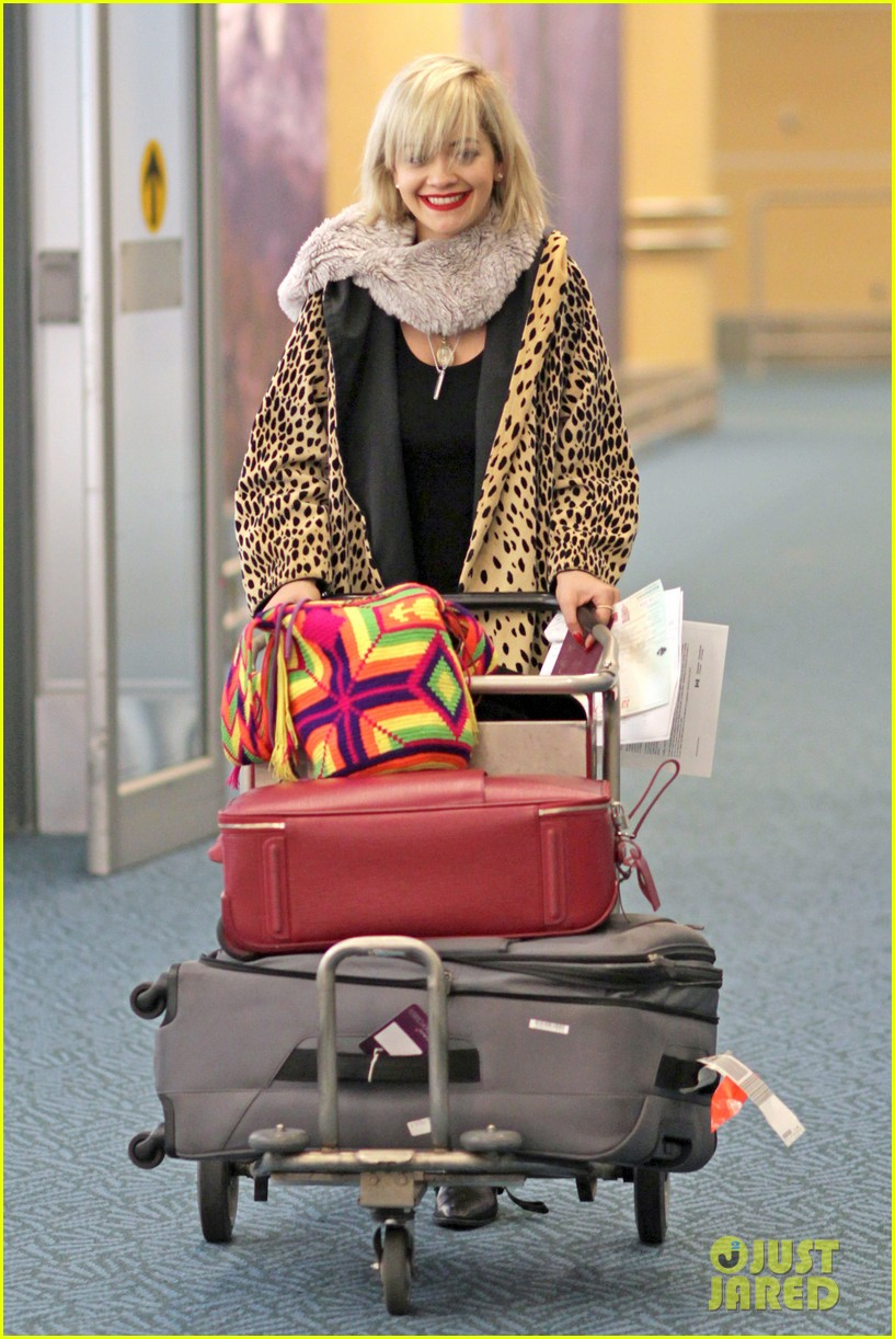 rita ora flies to vanouver to begin fifty shades of grey 15