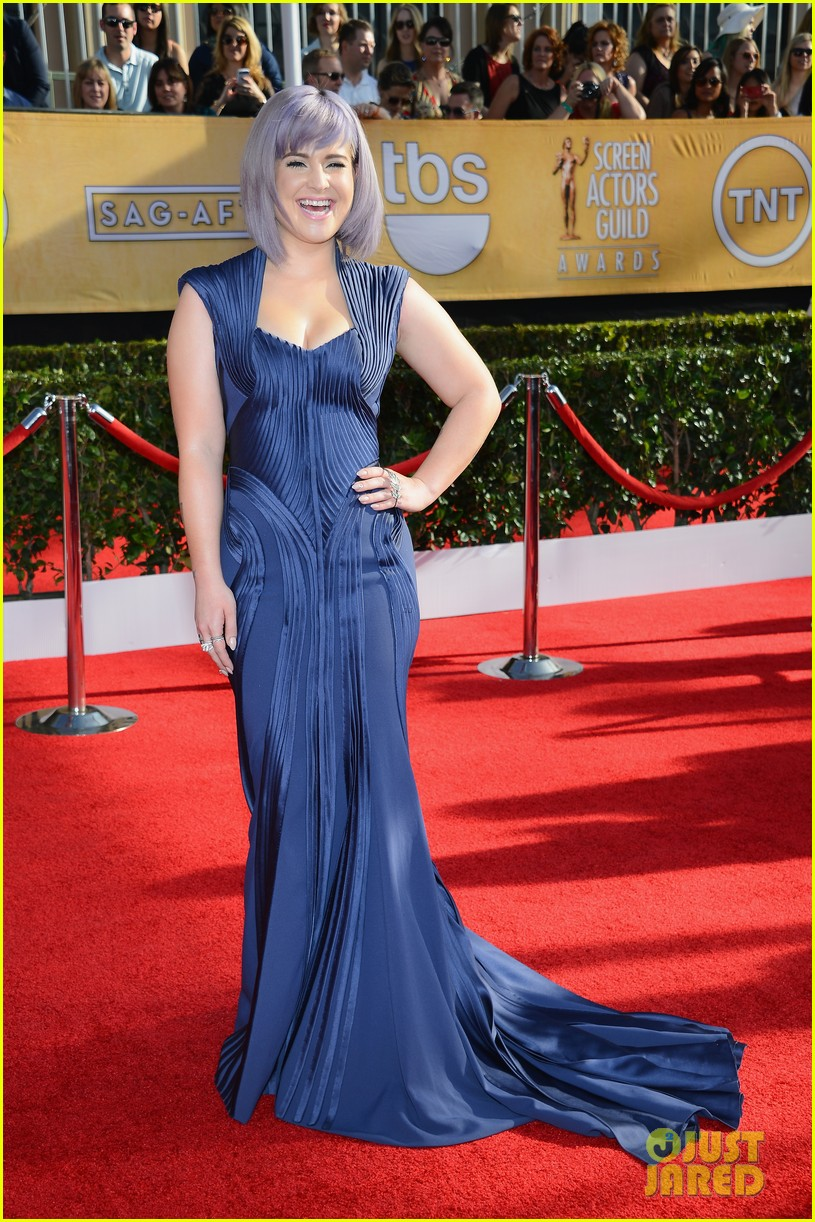 kelly osbourne giuliana rancic sag awards 2014 red carpet 053034503