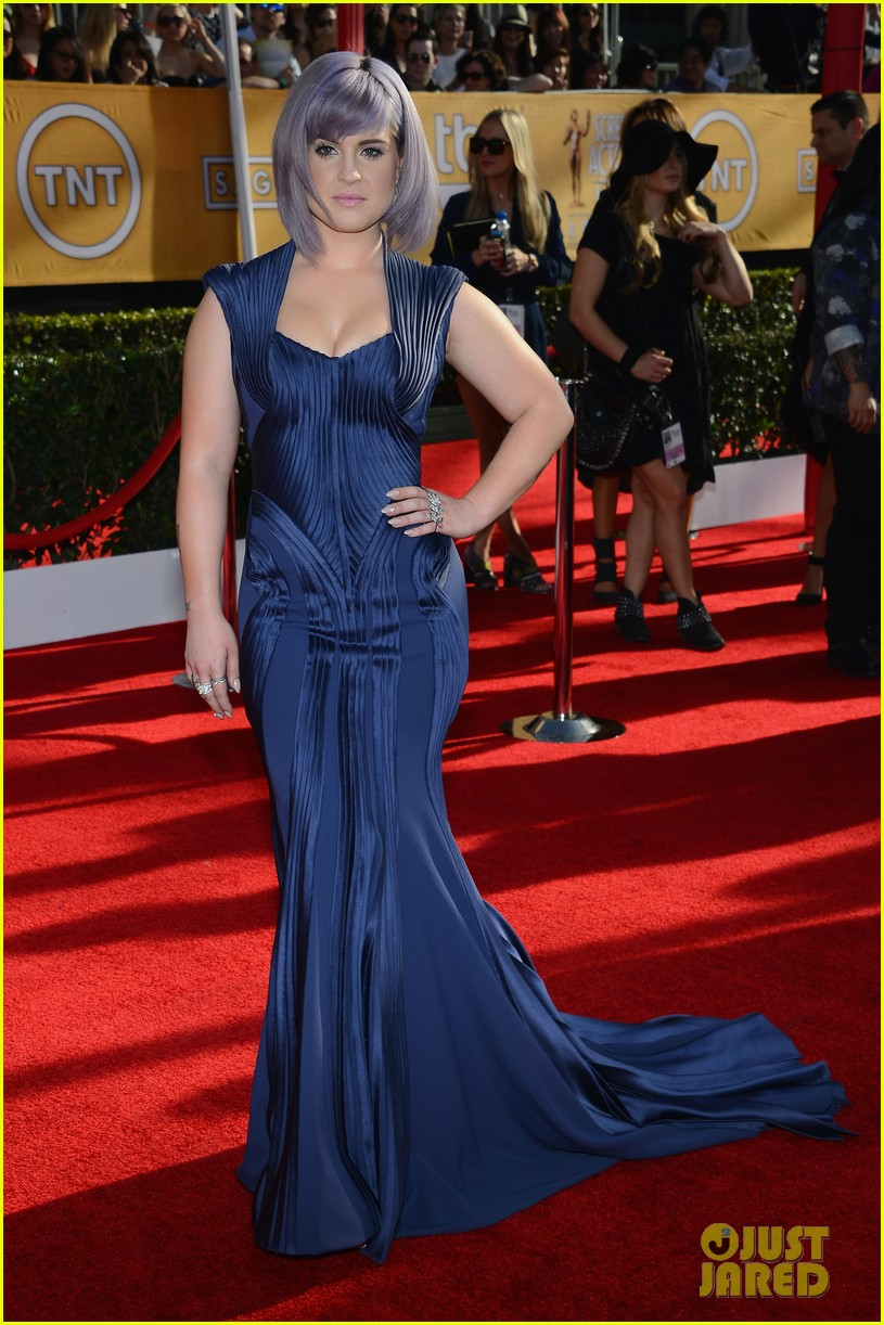 kelly osbourne giuliana rancic sag awards 2014 red carpet 063034504