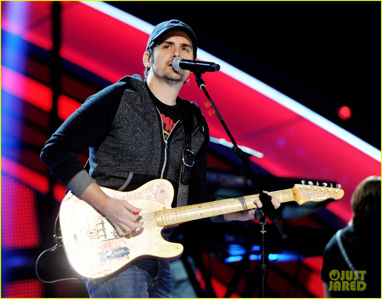 brad paisley onerepublic peoples choice awards 2014 rehearsals 03