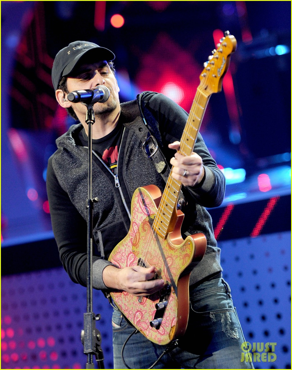 brad paisley onerepublic peoples choice awards 2014 rehearsals 163025435