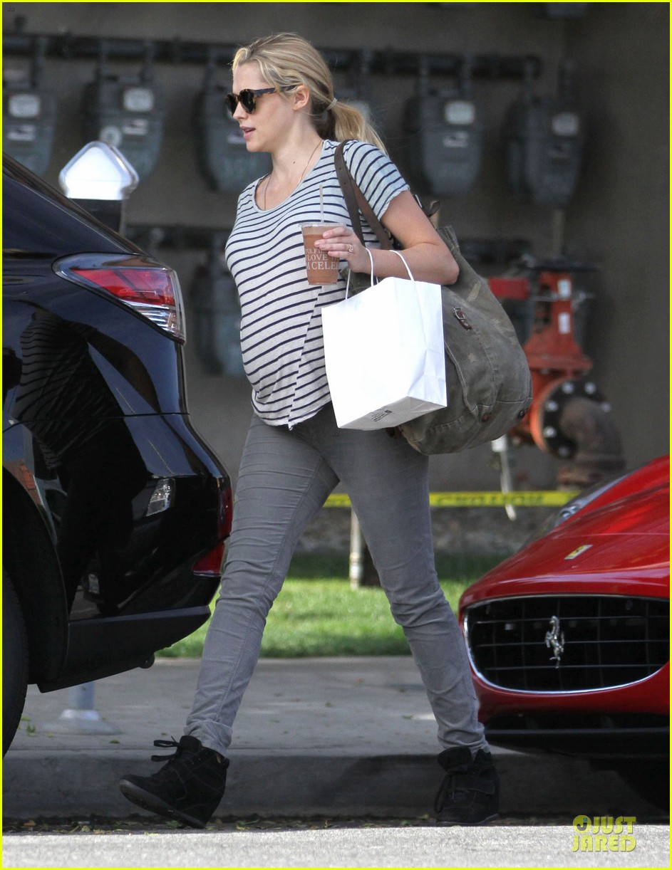 teresa palmer baby bumpin stripes for cafe gratitude lunch 233040138