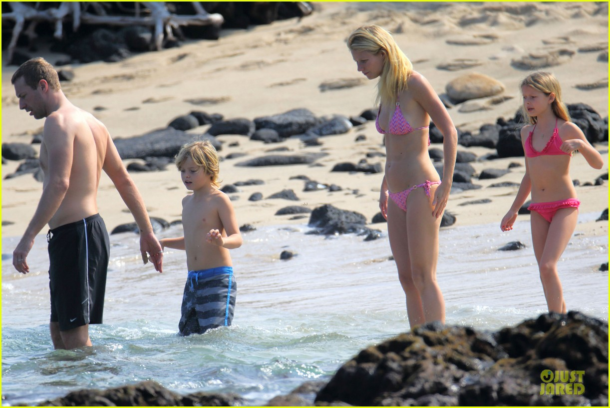 gwyneth paltrow pink bikini mama with shirtless chris martin 053022458