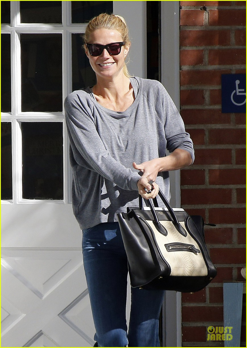 gwyneth paltrow medical building visit after the golden globes 22
