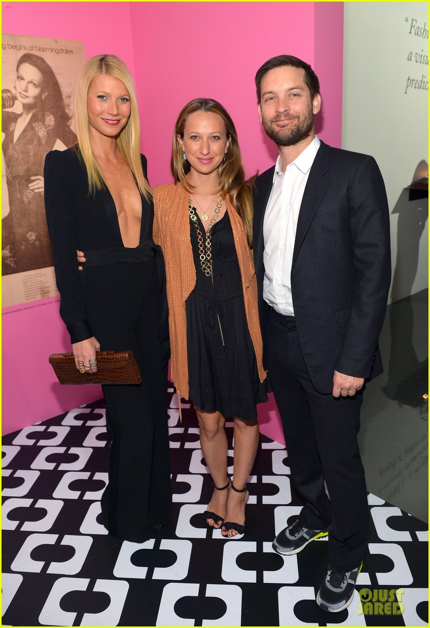 gwyneth paltrow rooney mara journey of a dress exhibition opening 033027878