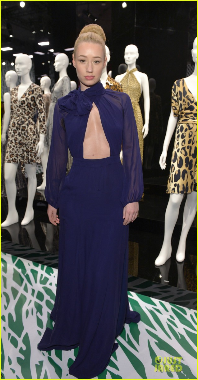 gwyneth paltrow rooney mara journey of a dress exhibition opening 073027882