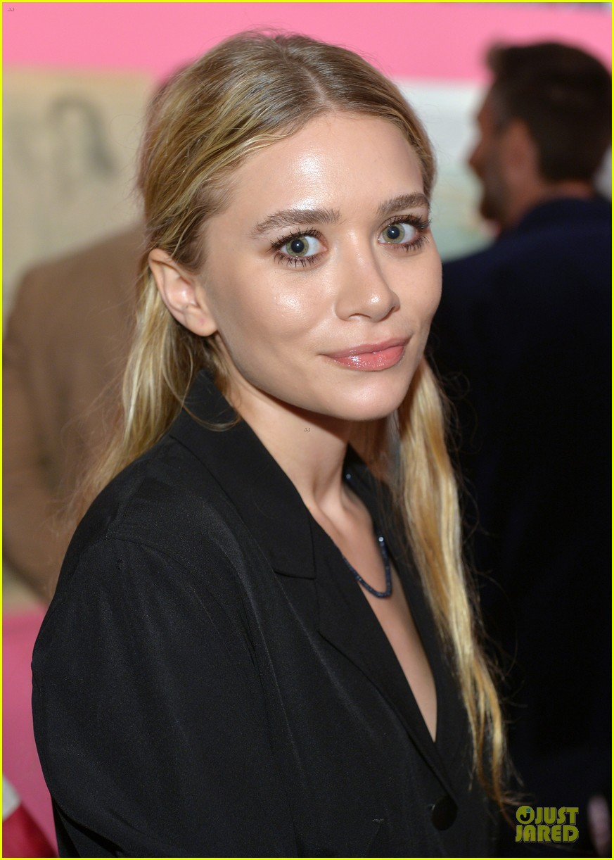 gwyneth paltrow rooney mara journey of a dress exhibition opening 083027883