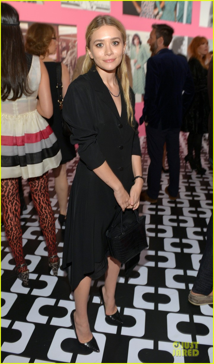 gwyneth paltrow rooney mara journey of a dress exhibition opening 093027884