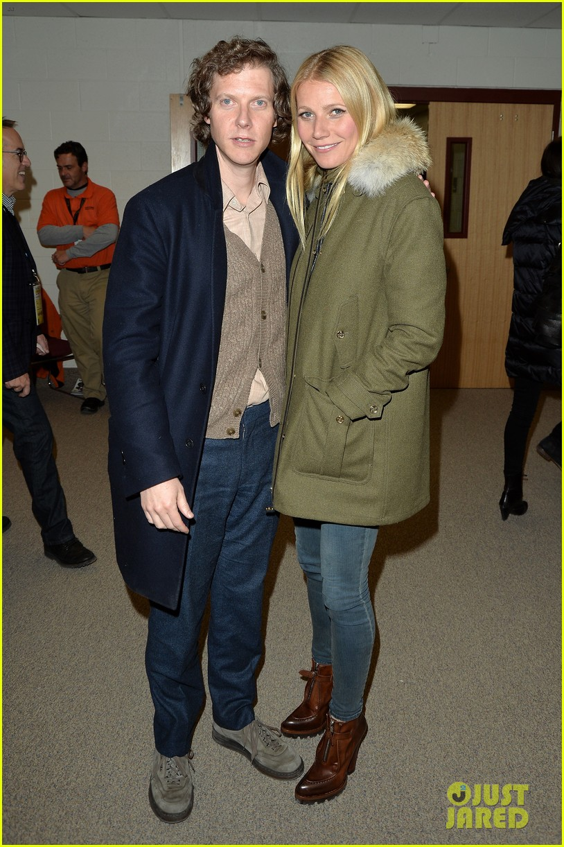 gwyneth paltrow supports brother jake at sundance premiere 043035103