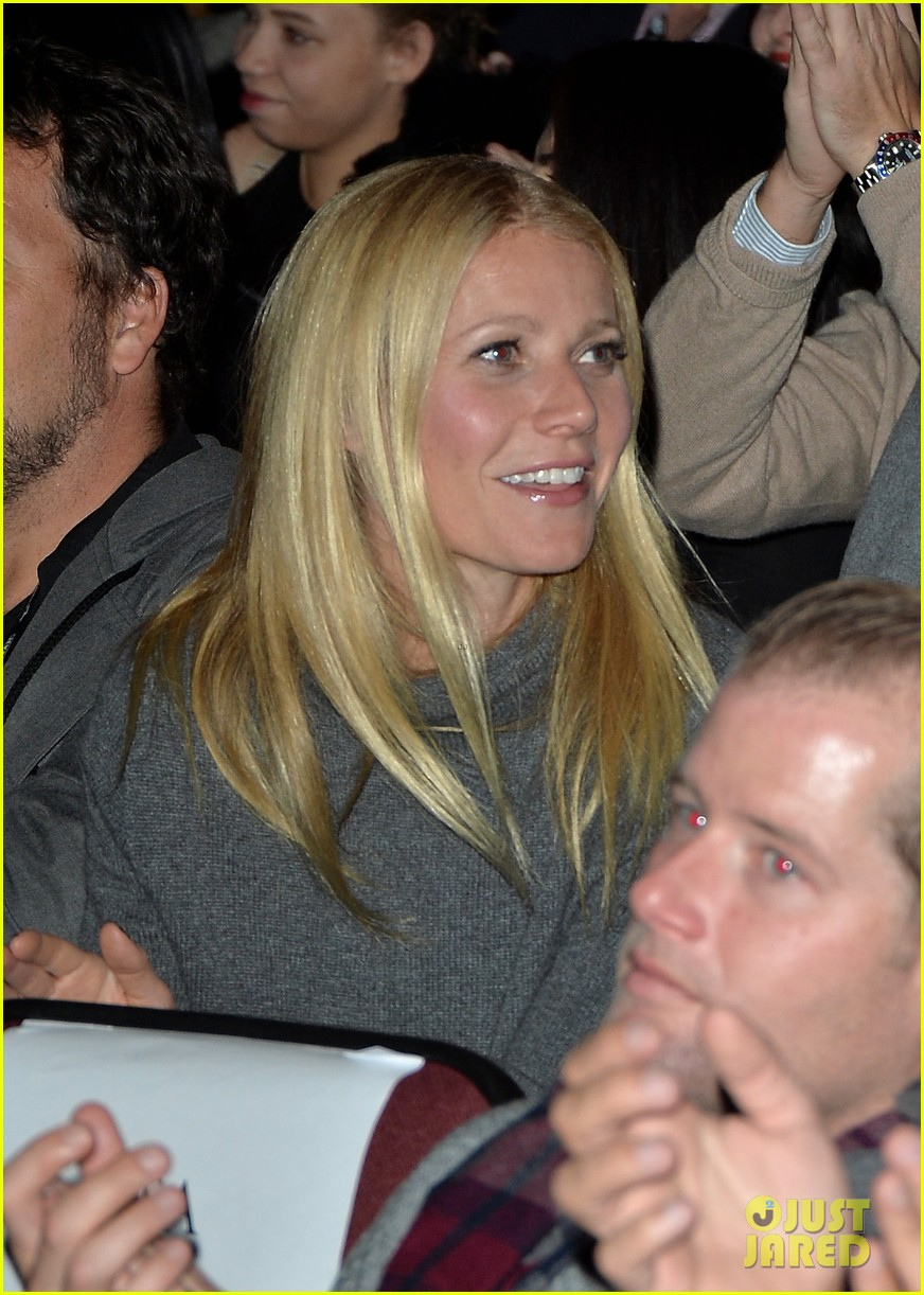 gwyneth paltrow supports brother jake at sundance premiere 053035104