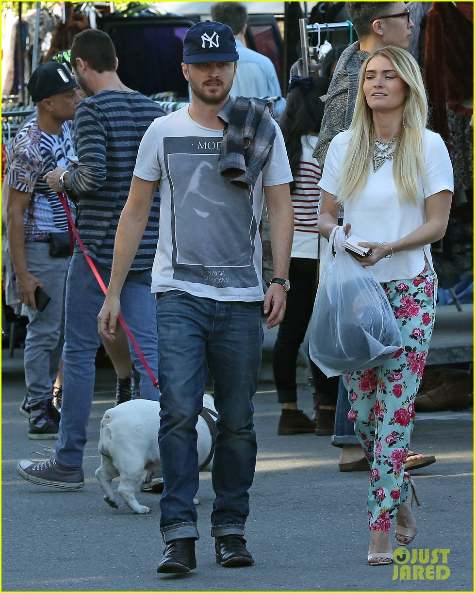 aaron paul wife lauren kiss cuddle at the flea market 203023815