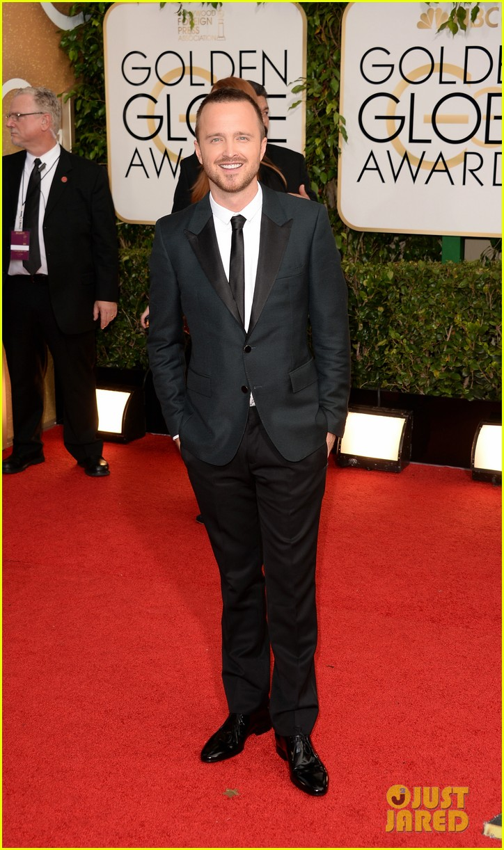 aaron paul bryan cranston golden globes 2014 red carpet 073029447