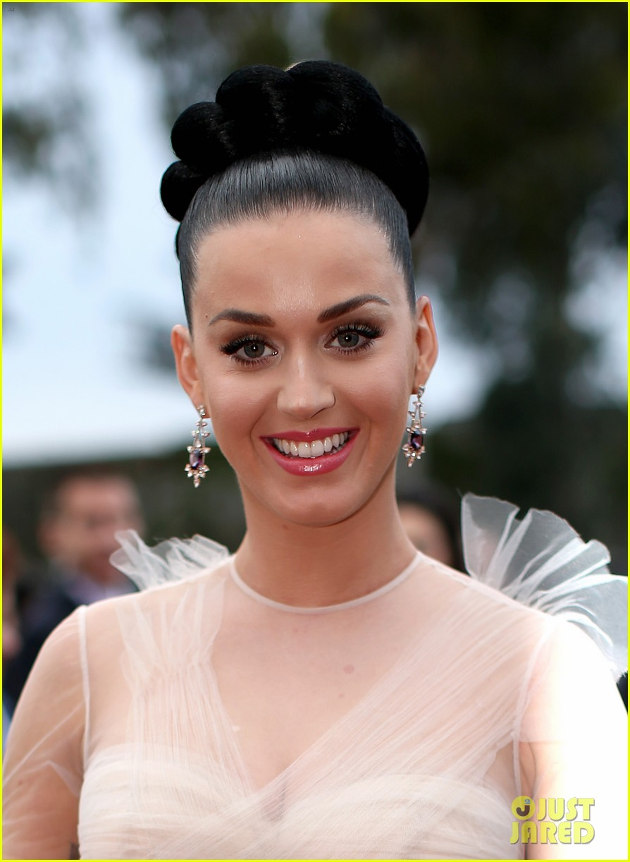 katy perry grammys 2014 red carpet 103041049