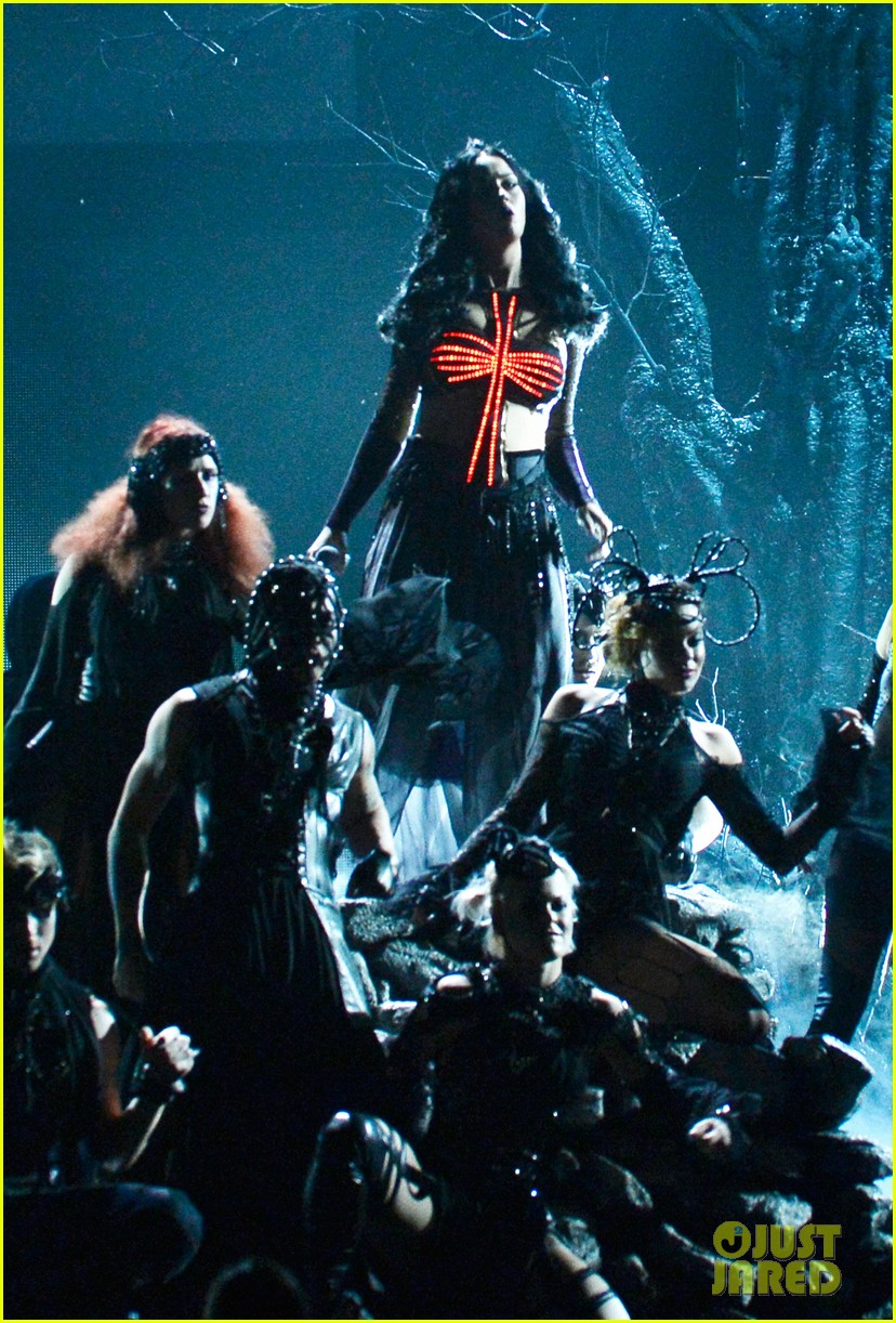katy perry performs dark horse at grammys 2014 video 013041286