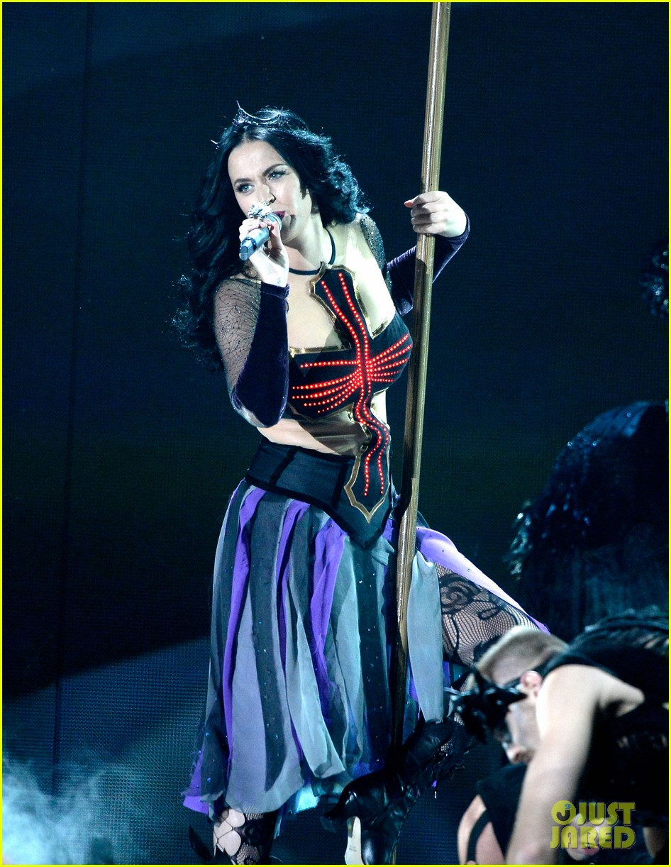 katy perry performs dark horse at grammys 2014 video 073041292