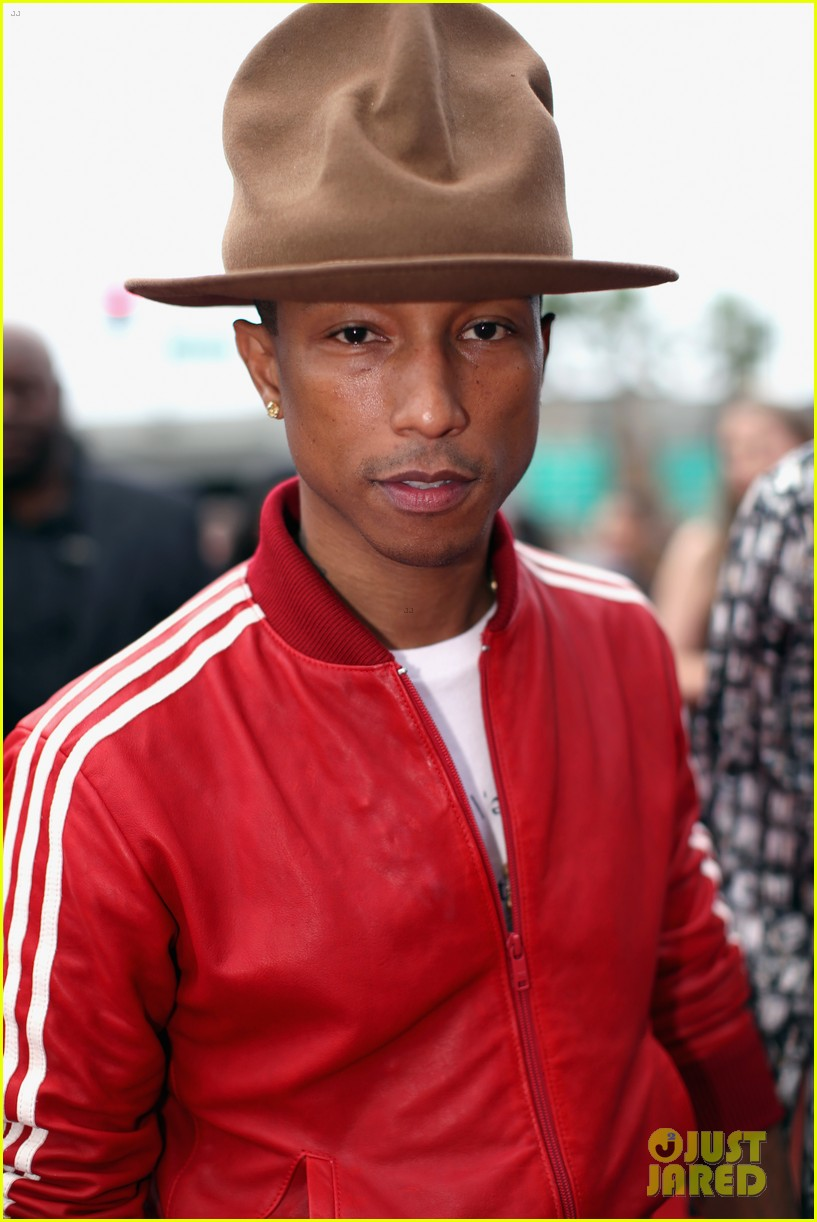 pharrell williams wins producer of the year grammys 2014 023041173