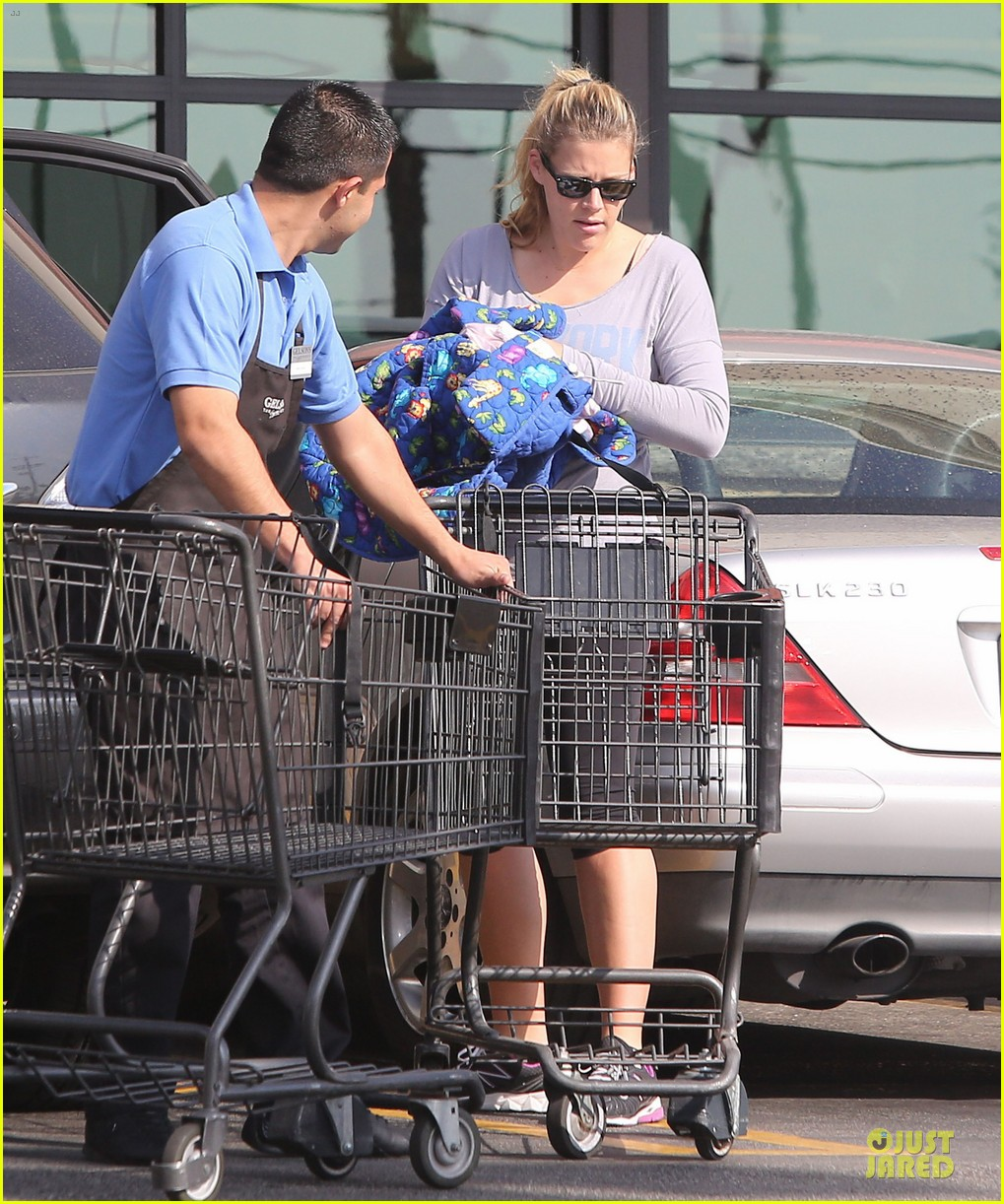 busy philipps my day is ruined after seeing a dead dog 093042364