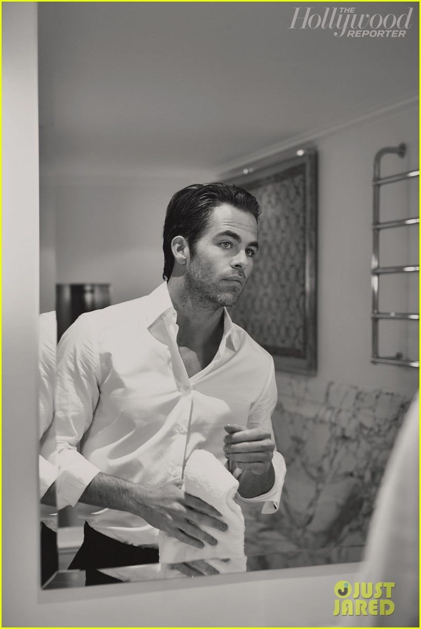 chris pine covers the hollywood reporter 053021574
