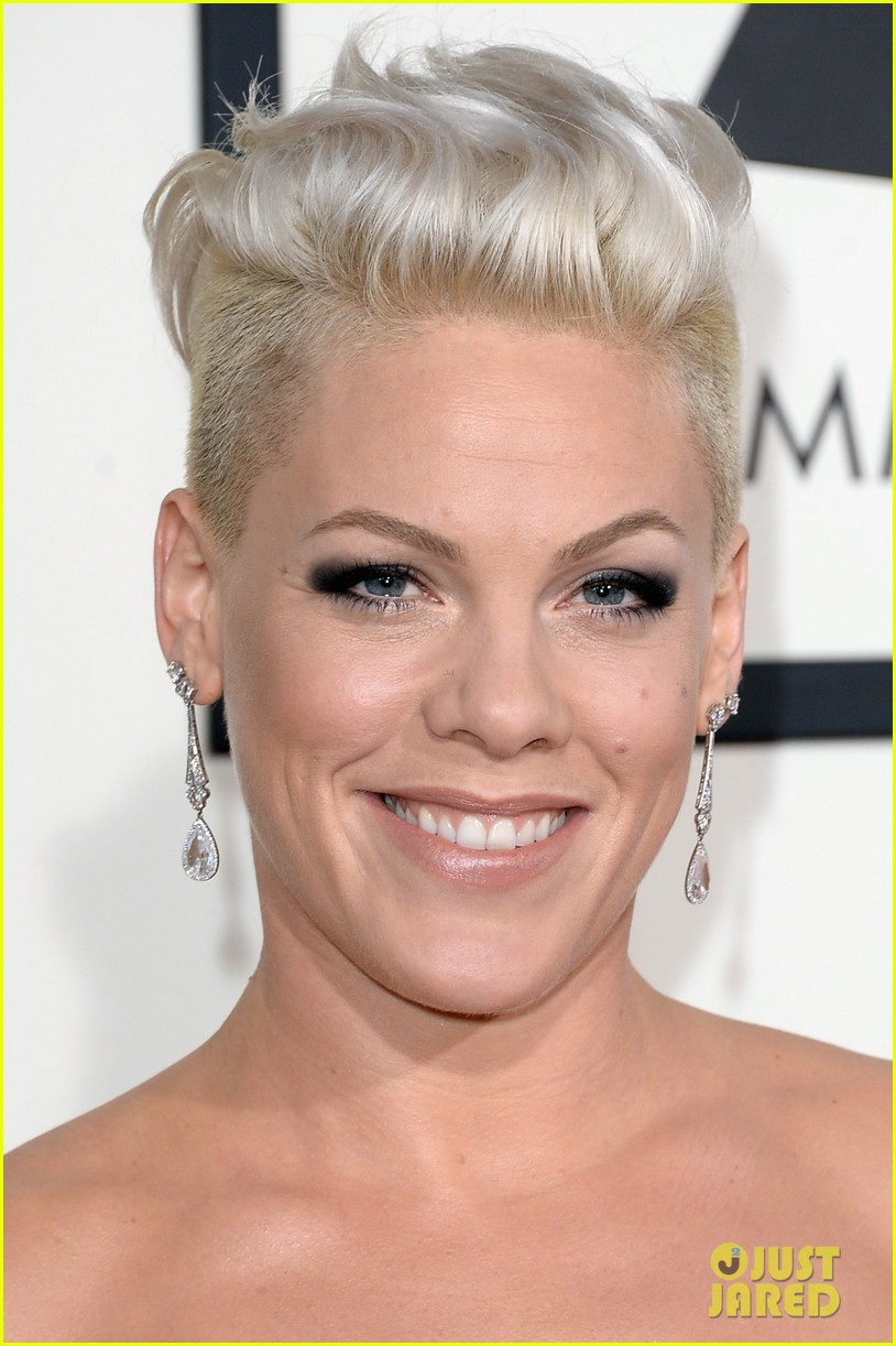 pink grammys 2014 red carpet with carey hart 023041030