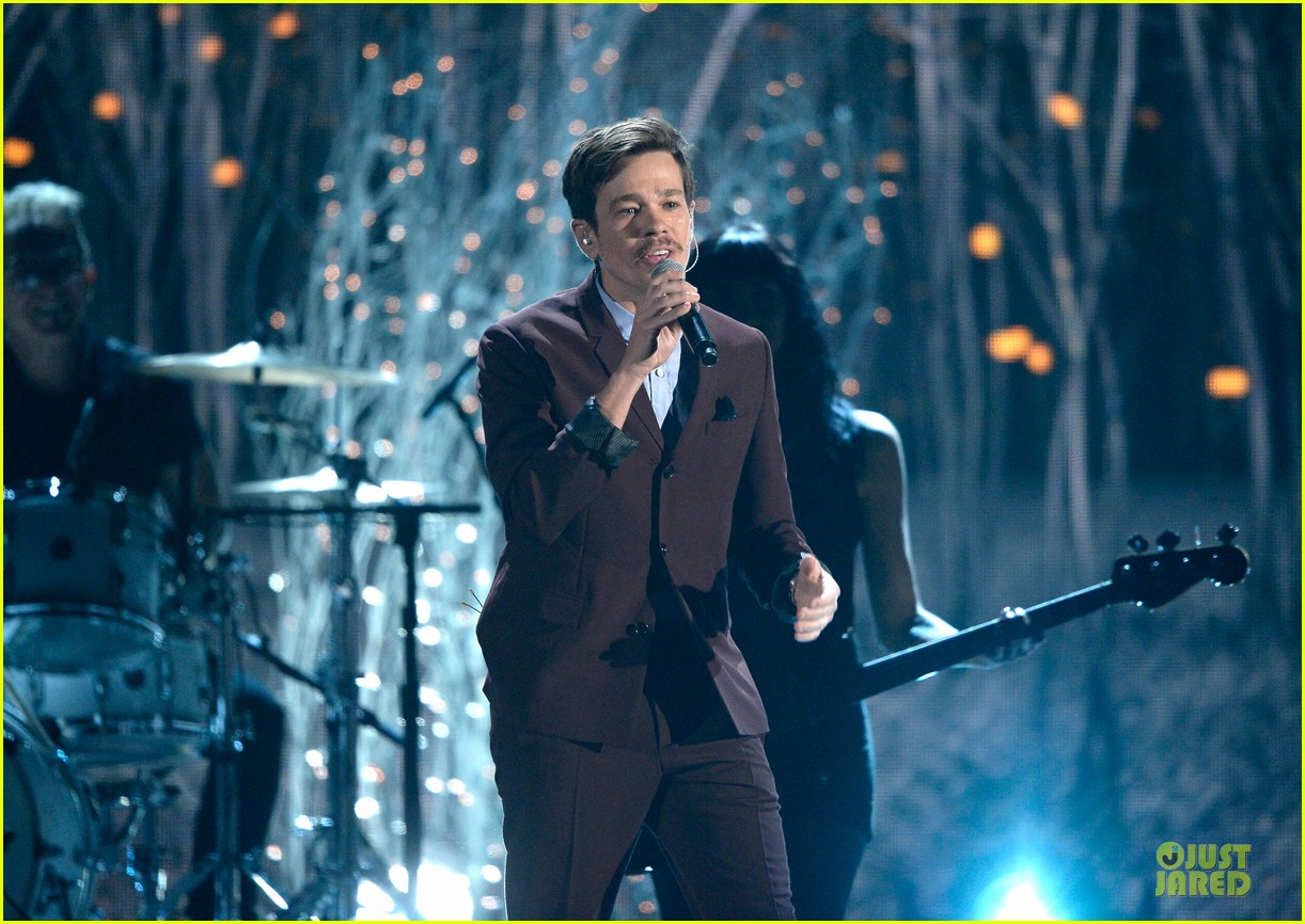pink nate ruess performs give me a reason at grammys 2014 video 143041391