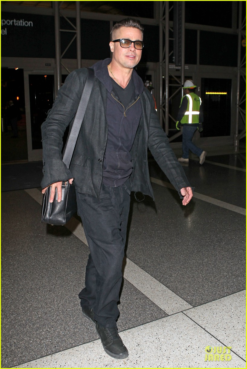 brad pitt lax departure after producers guild awards 073036198