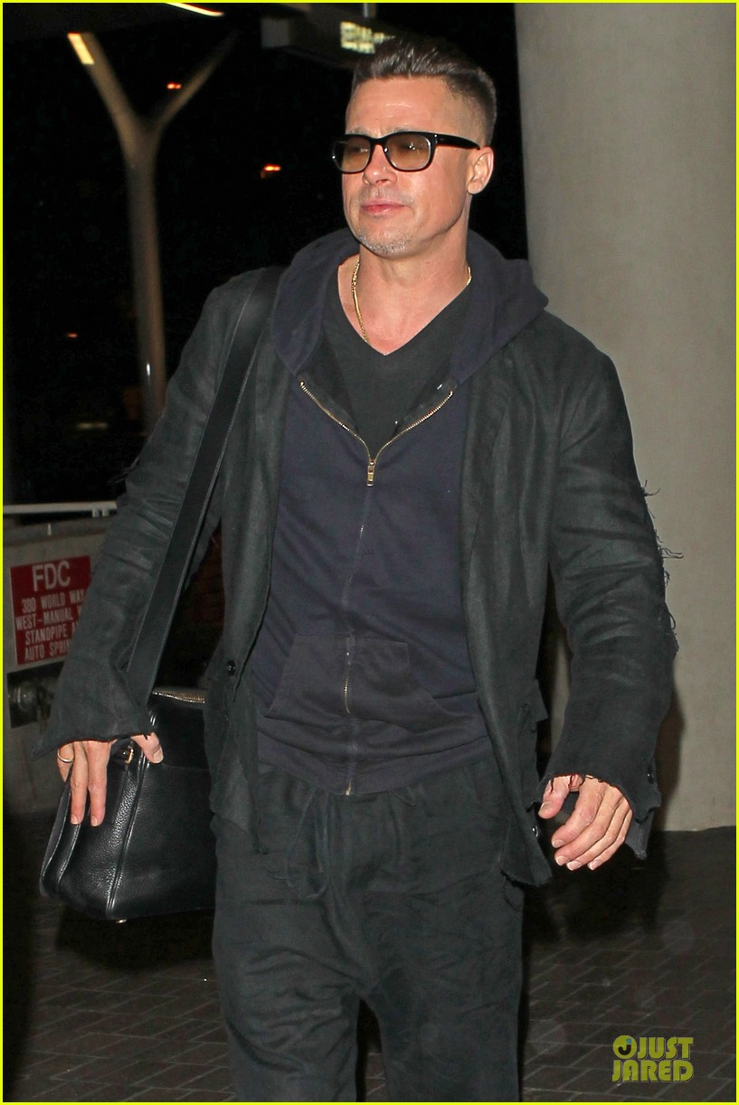 brad pitt lax departure after producers guild awards 113036202