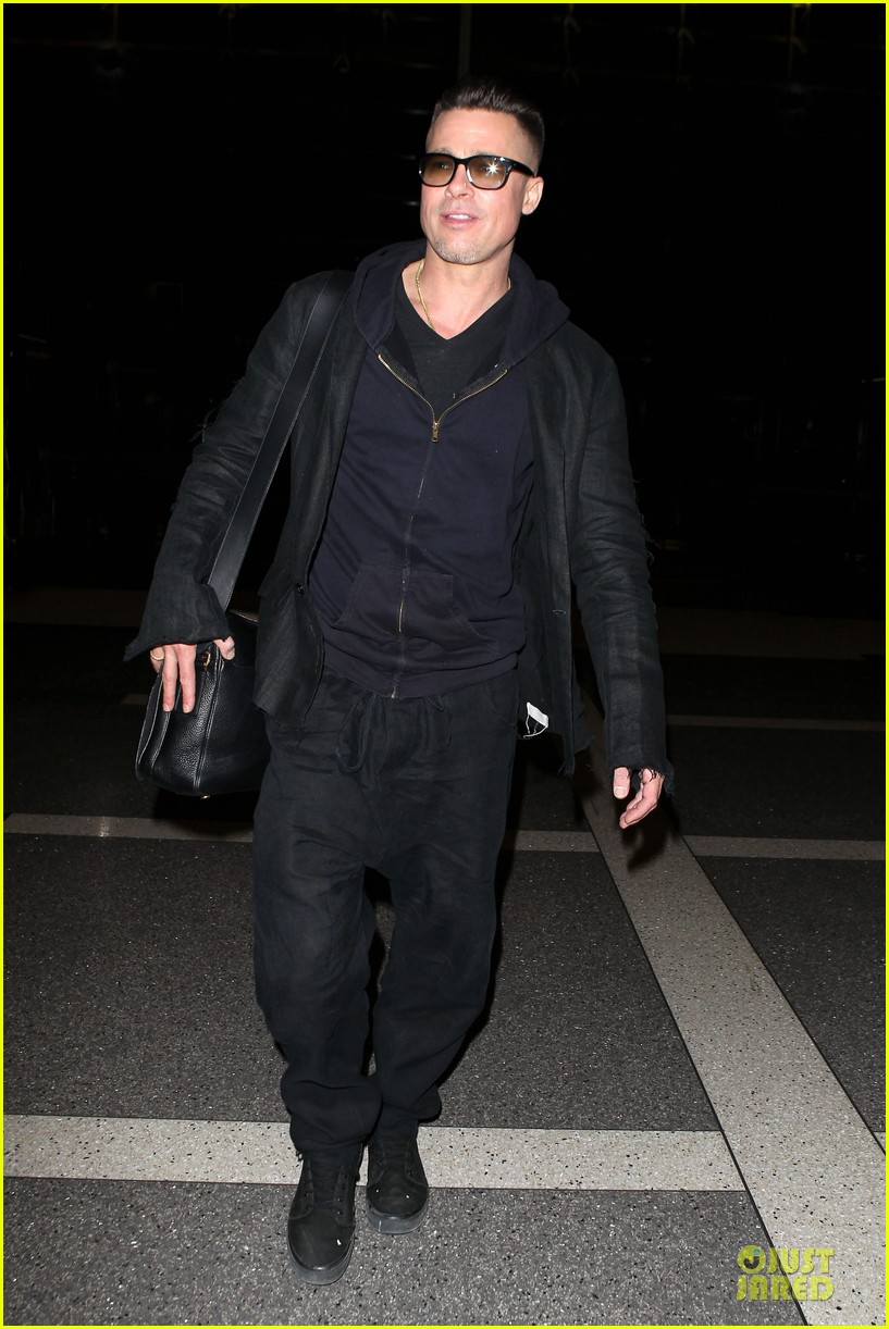 brad pitt lax departure after producers guild awards 143036205