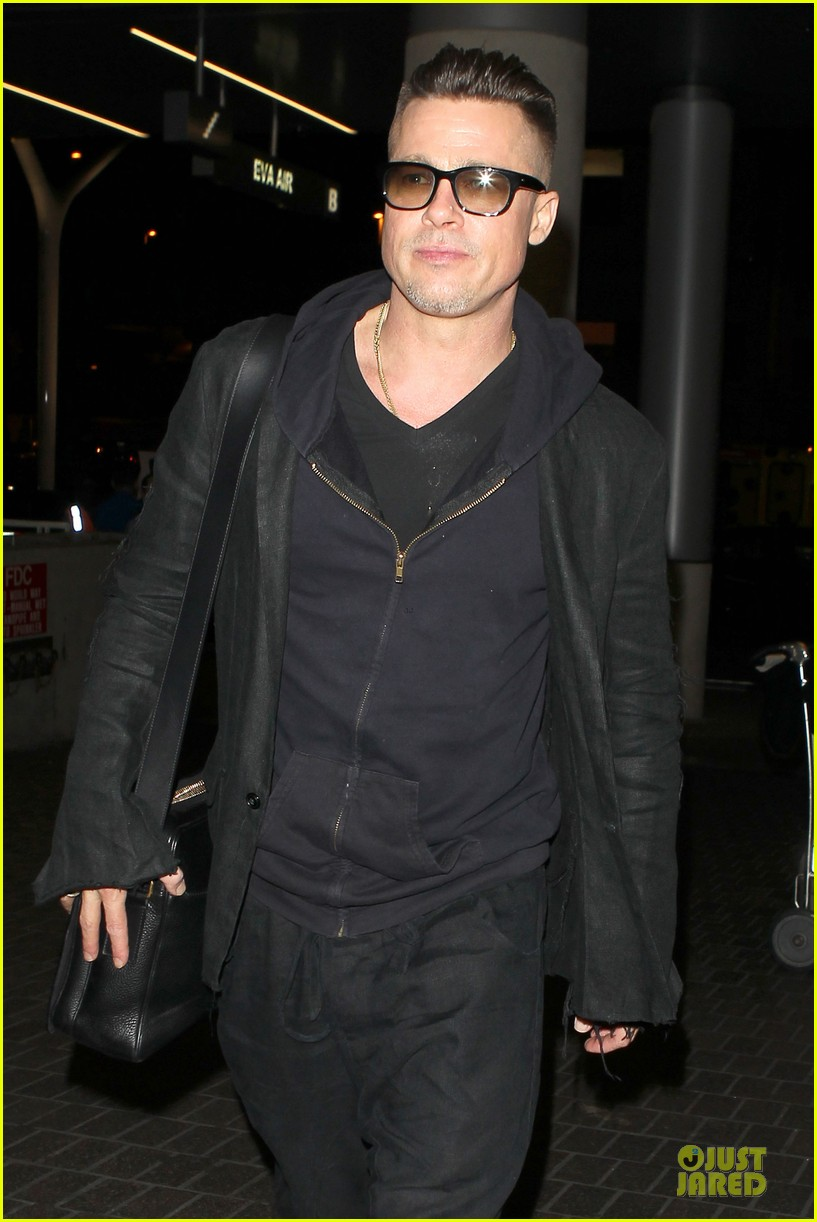 brad pitt lax departure after producers guild awards 183036209