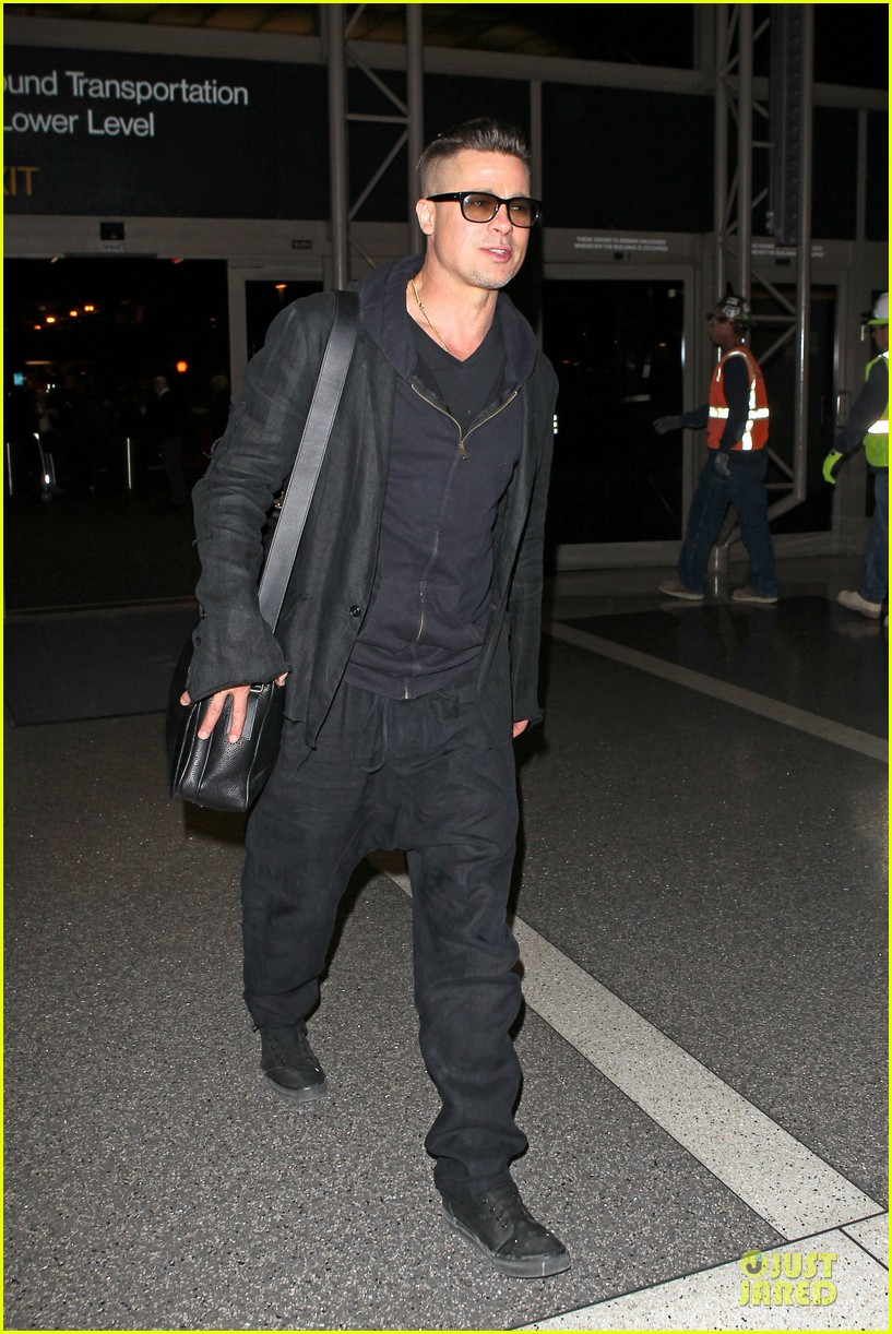 brad pitt lax departure after producers guild awards 203036211