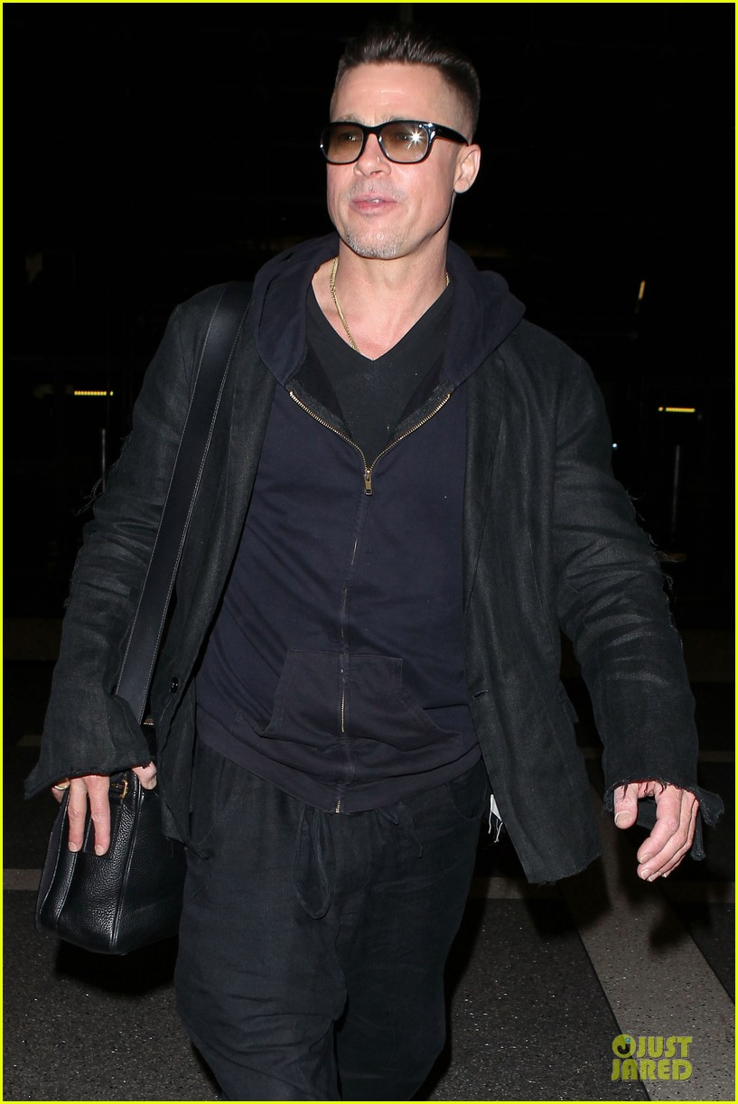 brad pitt lax departure after producers guild awards 263036217